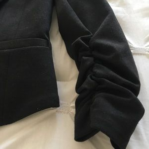 H&M Jackets & Coats - 💕Black cropped blazer. Detailed sleeves💕